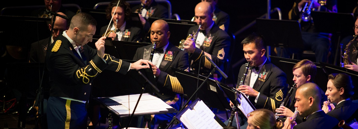 1LT Criswell Conducts Band